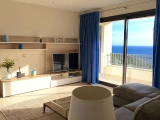 2 Br luxury apartment with stunning views