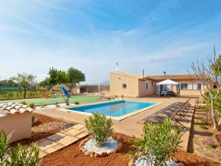 Cosy Family Villa with private pool, Binissalem
