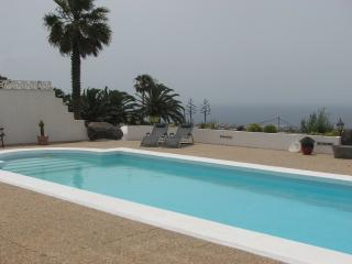 Casa Para Ti - Your Guesthouse, pool and sea view, La Asomada
