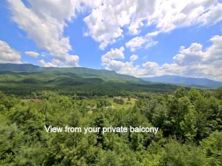 Above Par Condo TOO-1BR For Couples-Best Views-Indoor Pool & Hot Tub-NEW Kitchen, Gatlinburg