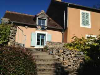 River view property on edge of medieval town, Fresnay-Sur-Sarthe