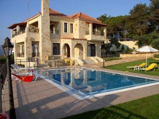 Villa Hanna, Tavronitis