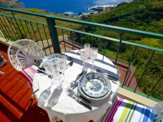 Vista Reis Magos Apt, Stunning Atlantic Views+WIFI, Canico
