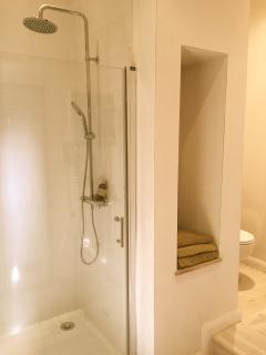 Family shower-room