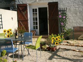 PRETTY STUDIO GITE - Champagne le Sec near Chaunay