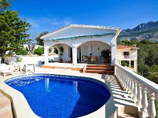 Beautiful Chalet with Sea view and Mountain view, Altea la Vella