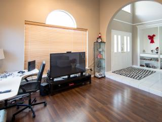 family suit with private bathroom(two rooms), Richmond