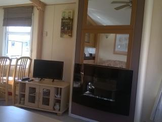 Luxury caravan, close to sea and golf course., Turnberry