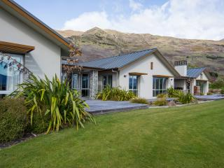 Large family vacation home with 5 bedrooms and views of the Southern Alps.