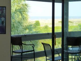 Fabulous Views - Direct Oceanfront Screened Porch, Harbor Island