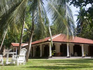 A stylish guesthouse - Moroccan Suite in the villa -  the Safari Suite in cabana, Matara