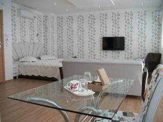 Luxury Residence in İzmir Center 1312, Izmir