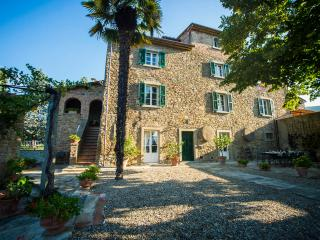 Villa Il Borgo-Cortona rental ideal for big groups, Pergo