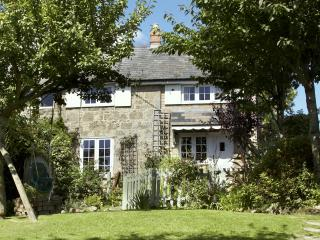 Scallop Shell Cottage - Child Friendly Luxury Home, Niton