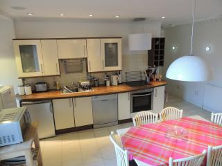 Popular Crieff Apartment, Central, 4/6 Free WIFI