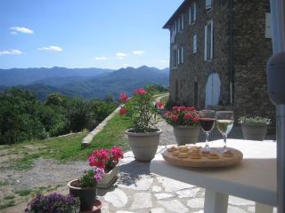Gîte Bruen, met eigen prive terras en schitterend uitzicht over de Ardeche