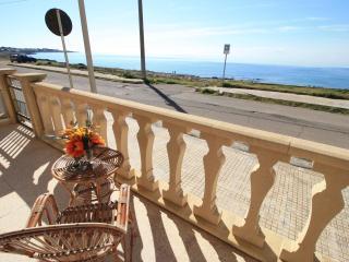 Beachfront Summer Villa, Marina di Mancaversa