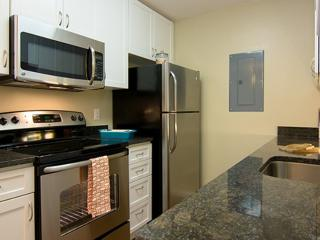 BRILLIANTLY FURNISHED 2 BEDROOM APARTMENT IN MOUNTAIN VIEW, Mountain View