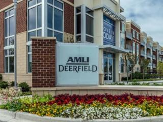 LUXURIOUS AND MODERN 3 BEDROOM APARTMENT IN DEERFIELD, Deerfield
