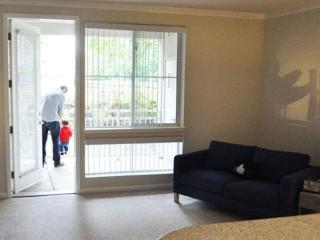 STUNNINGLY FURNISHED 2 BEDROOM APARTMENT IN SAN MATEO, San Mateo