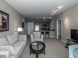 CHARMING AND REMARKABLY FURNISHED 1 BEDROOM APARTMENT IN GLENVIEW, Glenview