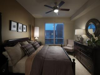 COZY AND REMARKABLY FURNISHED 2 BEDROOM APARTMENT IN BALTIMORE, Baltimore