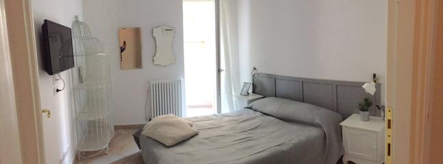 cozy double bedroom n1