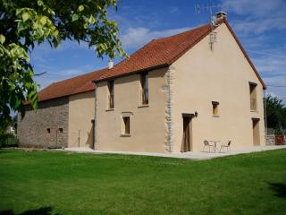 Traditional Burgundian farmhouse, 2 bedrooms, Saulieu