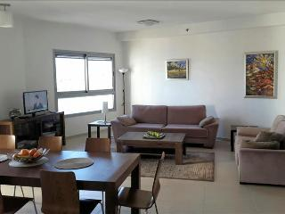 Beautiful Condo with views of sea and nature reserve, Ir Yamim - NY01, Netanya