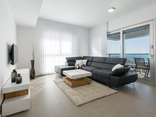 Three Bedroom Residential Apartment, Netanya