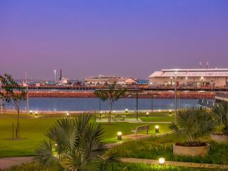 Darwin Waterfront Luxury Suites - 2 Bedroom & FREE CAR (Sleeps 5)
