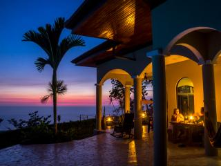 Stunning Whale's Tail View! Private Home! 5 Star!, Uvita