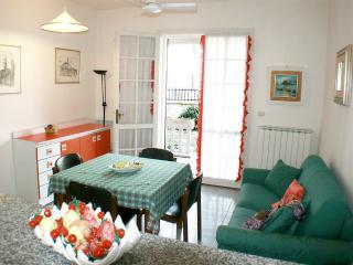 Casa vacanza con giardino privato zona tranquilla, Lido delle Nazioni