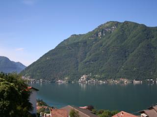 Appartamento con stupenda vista lago