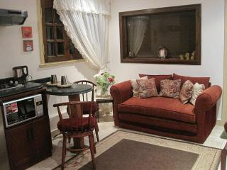 Cozy Elegant Studio in spot Malls Area