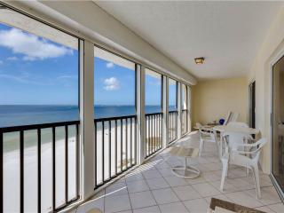 Dolphin Watch, 2 Bedrooms, Heated Pool, WiFi, Sleeps 6, Fort Myers Beach