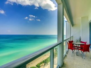 Ocean View 2 bed 2 bath, Miami Beach