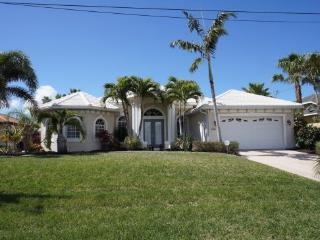 Villa Capri - Cape Coral 3b/2ba luxury home