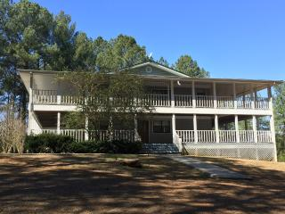 Pleasant Hill Hideaway - Great for large groups, Copperhill