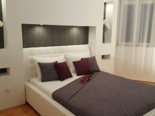 Holiday apartment Tony, Biograd na Moru