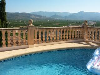Cute detached 2 bed villa with provate pool, Sanet y Negrals