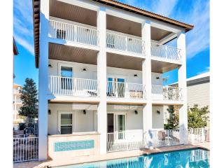 Calypso: 9 Bdrm, Sleeps 28, Private Pool & Hot Tub, Destin