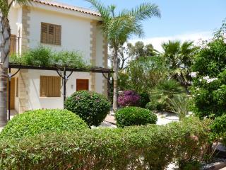 2 bed Villa in Ayia Thekla with private Pool, Ayia Napa