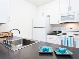 COMFORTABLE AND BEAUTIFULLY FURNISHED 1 BEDROOM, 1 BATHROOM APARTMENT, Emeryville