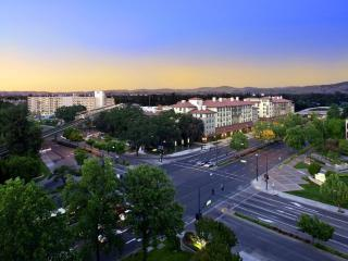CHARMING AND FURNISHED 2 BEDROOM APARTMENT IN WALNUT CREEK, Walnut Creek
