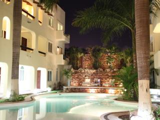 Lovely, perfect location Downtown Playa del Carmen