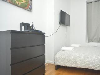 STUNNING AND SPOTLESS 2 BEDROOM 1 BATHROOM APARTMENT, New York City