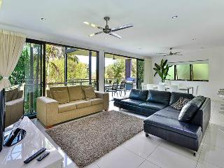 Pinnacle - Apartment 7, Hamilton Island