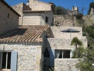 House at the foot of the old castle. Alpilles .., Boulbon