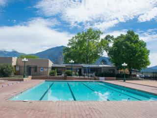 Awesome Fun Location! Close to Plaza, Close to Ski. Tennis,Hot Tub,Summer Swim!
